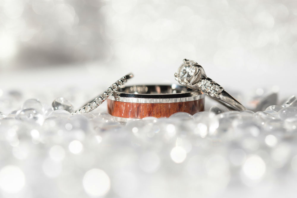 How to Style Your Wedding Ring Stack like the Fashion Girls